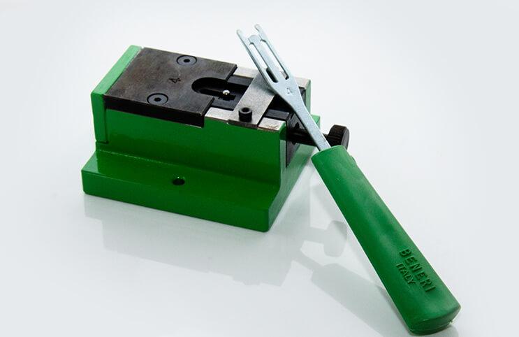 Montagegerät DIN 6799